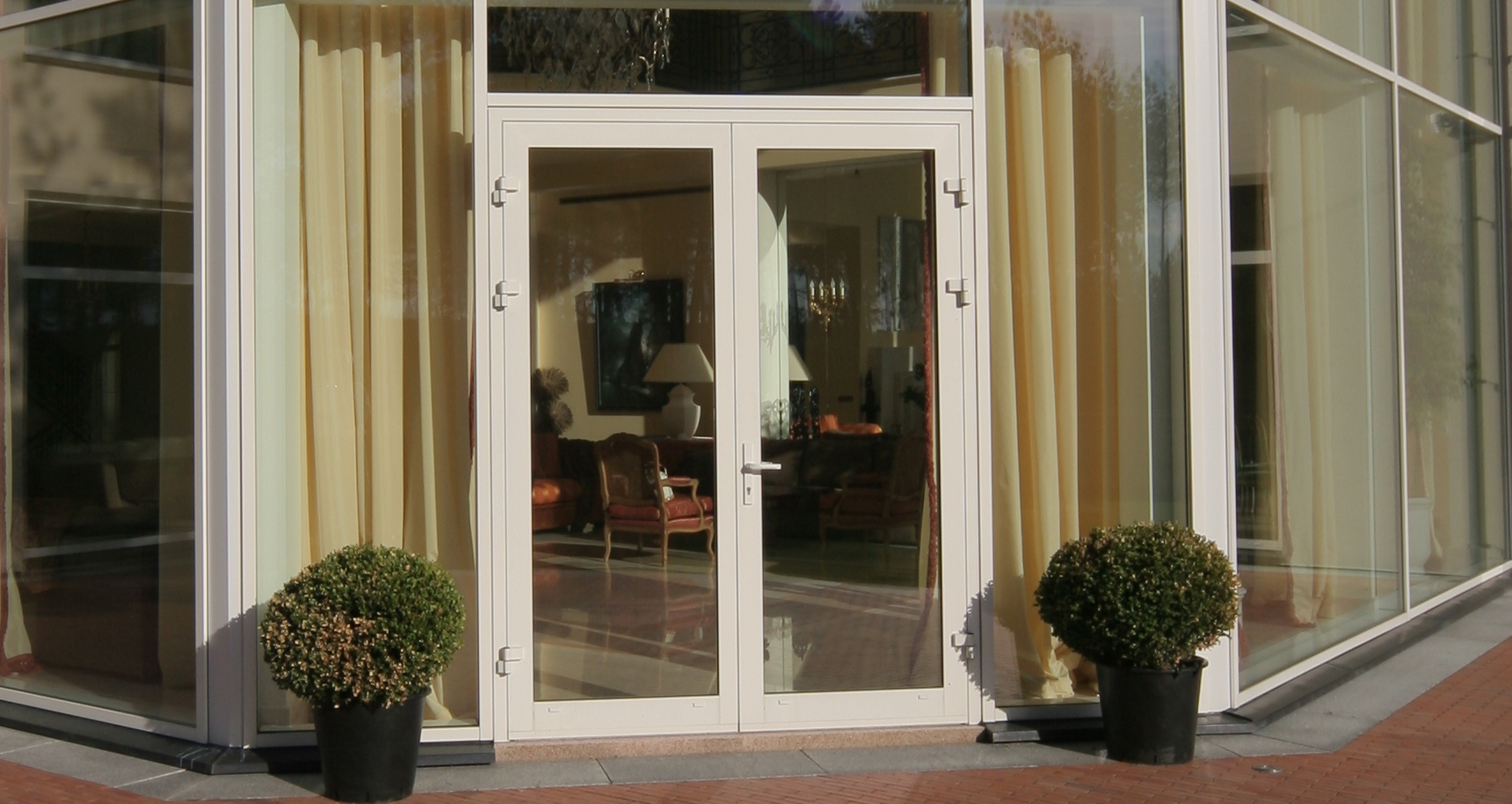 Aluminium french doors megrame for Aluminum french doors